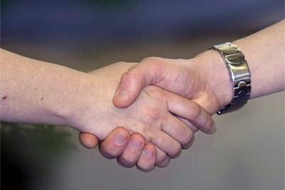 händedruck-hände-begrüßung-abschied-733239.jpg